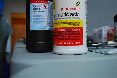 How can we neutralize the Muriatic acid
